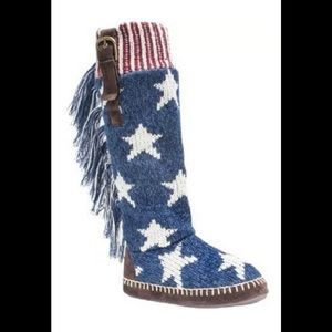 MUK LUKS Women's Navy Tall Slipper Boot Small 5-6